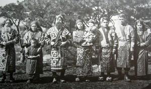 La comunità Ainu di Sahalin in una foto del 1903