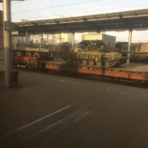 Stazione di Kiev: rinforzi per l'armata governativa partono per il Donbass