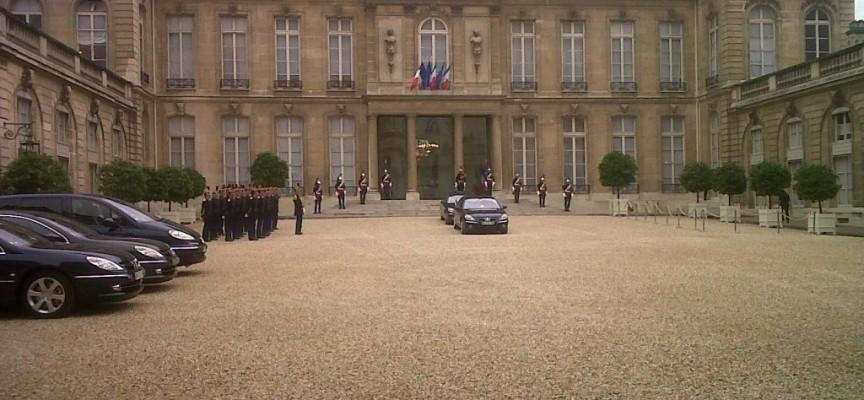 La Francia ha armato i terroristi che hanno colpito Parigi