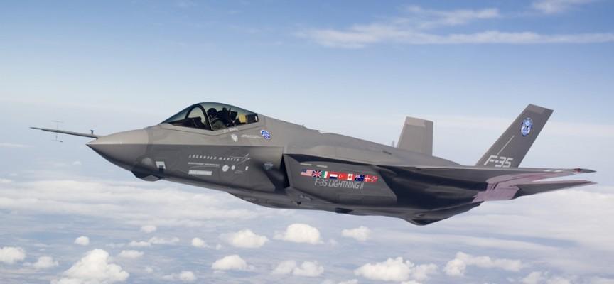 Perché l'F-35 è un facile bersaglio dei Flankers