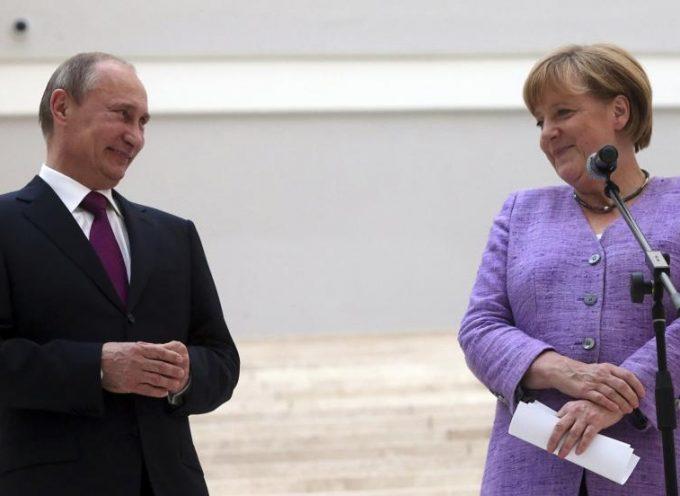 Putin all'UE: abbandonate il TTIP ed unitevi all'Unione Eurasiatica