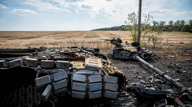 Fra la fine di agosto e l'inizio di settembre l'esercito novorusso lanciò una offensiva che inflisse danni spaventosi alle truppe di Kiev. Secondo Giulietto Chiesa uno
