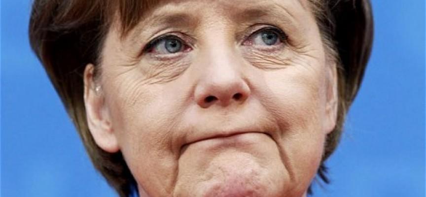 Temendo la disfatta dell'esercito ucraino, la Merkel parla di pace
