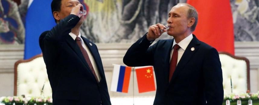 La Cina avvisa gli USA, si schiera con la Russia sul conflitto in Ucraina