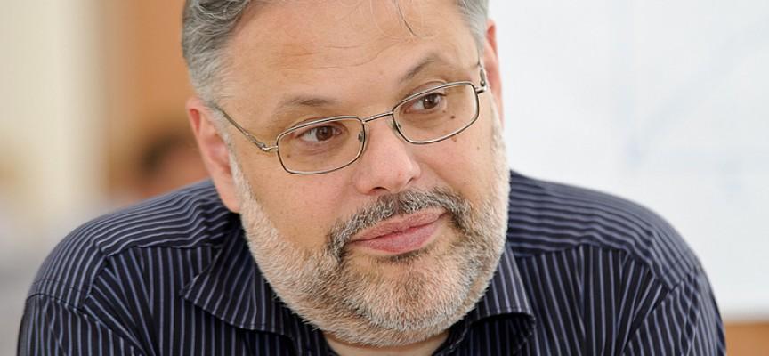 M. Khazin: una previsione sullo sviluppo dei processi che influenzeranno la Russia nel 2015