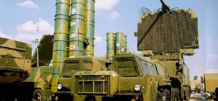 Putin toglie il divieto di fornitura del sistema missilistico S-300 all'Iran