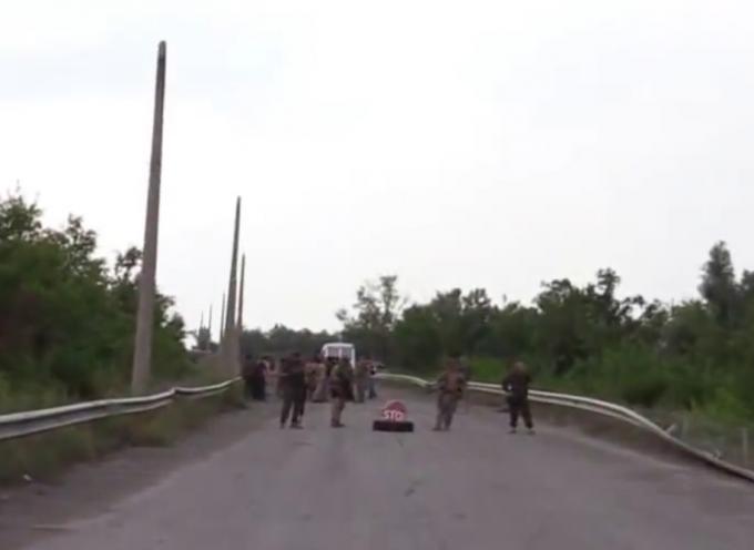 Scambio di ostaggi sul confine tra Ucraina e LNR