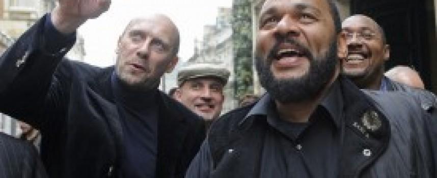 Il regime francese controllato dal CRIF ha scatenato una violenta persecuzione contro i dissidenti