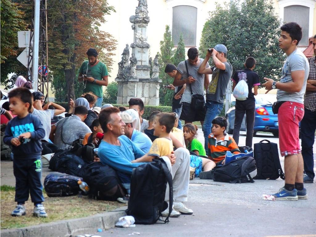 Il campo degli immigrati nella piazza centrale di Kanizha