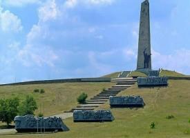 Il Donbass ricorda i suoi eroi
