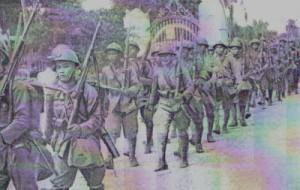 Dicembre 1941: truppe giapponesi in Thailandia. Il Giappone sostenne di avere legittimamente occupato il paese essendo stati i nipponici invitati dal Presidente Phibun (in realtà l'invito giunse alcune ore dopo l'attacco giapponese)
