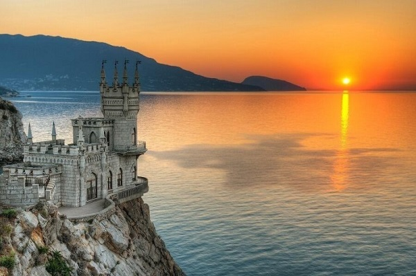 Swallow's-Nest-Palace-Crimea-Ukraine