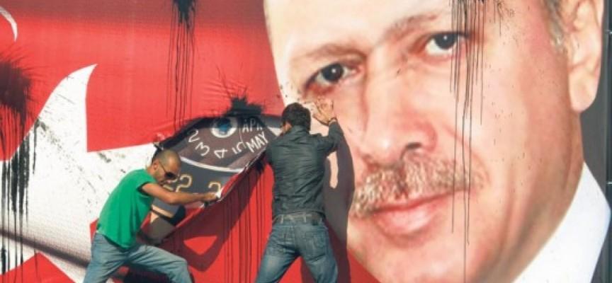 Gli USA stanno tradendo Erdogan?