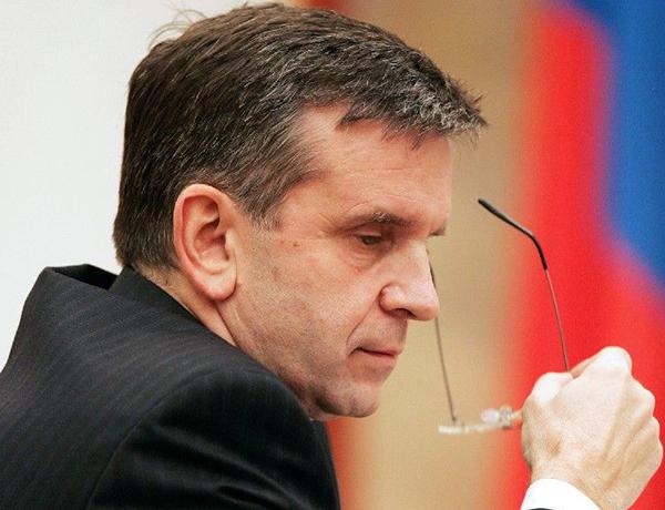Mikhail Zurabov, ambasciatore a Kiev, pesantemente contestato dall'intervistatrice;