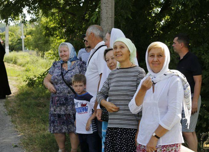 Una Festa Ortodossa: la Processione della Croce entra a Kiev