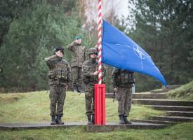 Barlumi di buonsenso – ma la NATO si prepara alla guerra