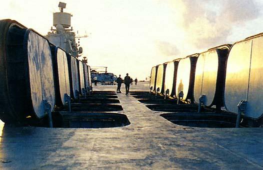Sulla Admiral Kuznetsov i missili sono nascosti sotto la pista di atterraggio.