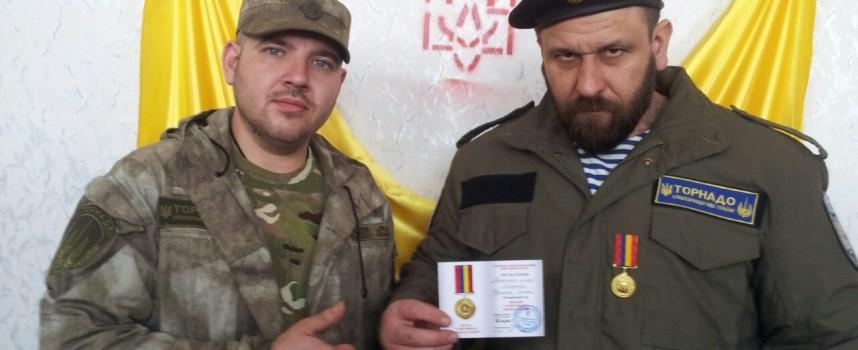 Kiev investita dal Tornado – Come i battaglioni paramilitari terrorizzano l'Ucraina