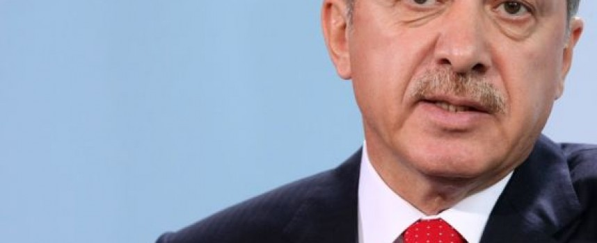 Erdogan gioca con gli Stati Uniti e la Russia