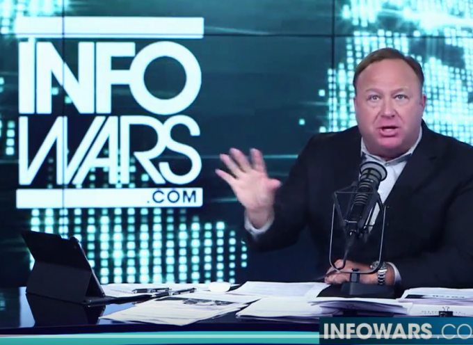 Alex Jones mette in guardia contro l'escalation militare in Siria