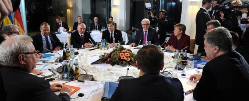 Né guerra né pace, il formato Normandia prolungherà gli accordi di Minsk per il 2017