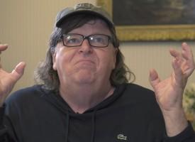 Michael Moore spiega perché i lavoratori americani voteranno Trump