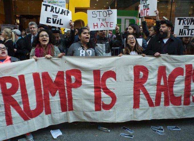 Quelli che manifestano contro Trump sono strumenti dell'Oligarchia