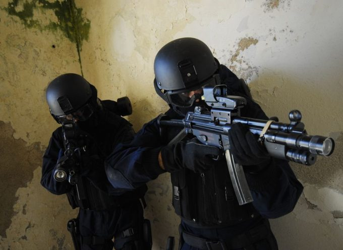 Chi dovrebbe fare realmente sul serio la lotta all'ISIS?