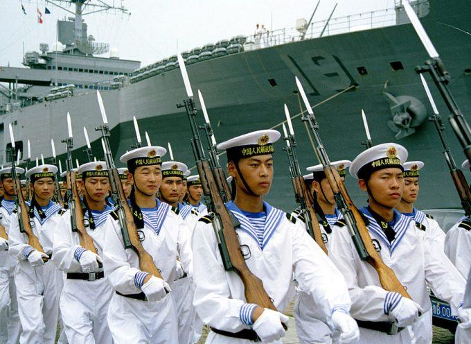 Il Ministro degli Esteri cinese mette in guardia da una guerra con gli USA