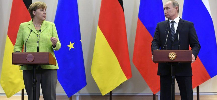 Un Putin arrabbiato dice alla Merkel che il processo di pace a Minsk in Ucraina è tutt'altro che morto
