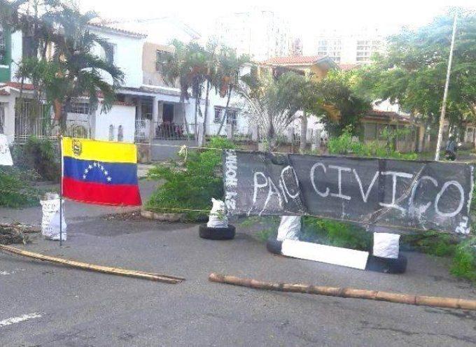 Venezuela, le Magliette Rosse occupano la scena