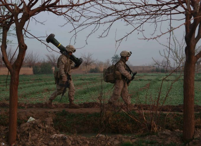 Chi sta davvero favorendo la vendita di armi letali all'Ucraina?