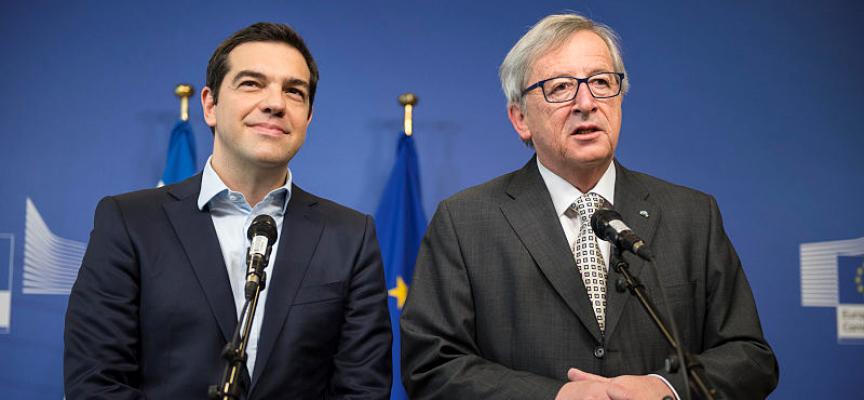 Il Primo Ministro greco Tsipras dichiara finiti i tagli sociali, mentre Syriza prepara altra austerity