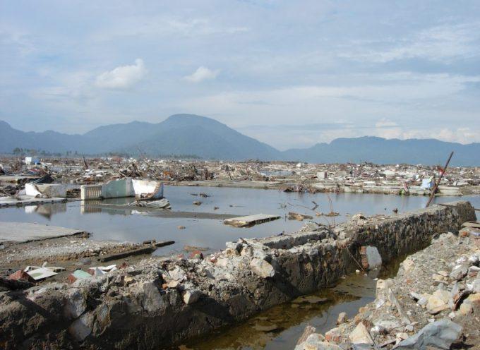 Cosa ha ucciso migliaia di indonesiani – Il Terremoto o la Miseria?