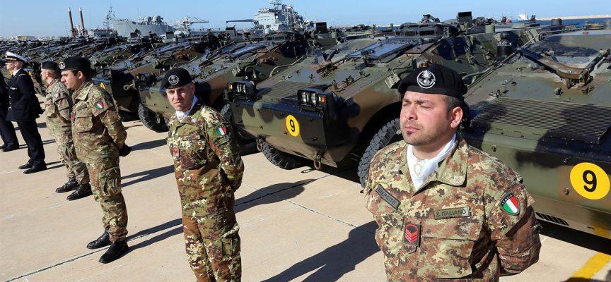 Tra le proteste di massa, la Francia annuncia il ritorno al servizio militare universale