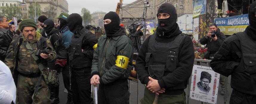 Come ragni in un barattolo: i membri dell'ultradestra ucraina si ammazzano l'un l'altro per soldi