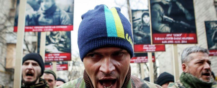 Ho! Ho! Ho! Washington porta i regali al guerrafondaio regime neonazista di Kiev