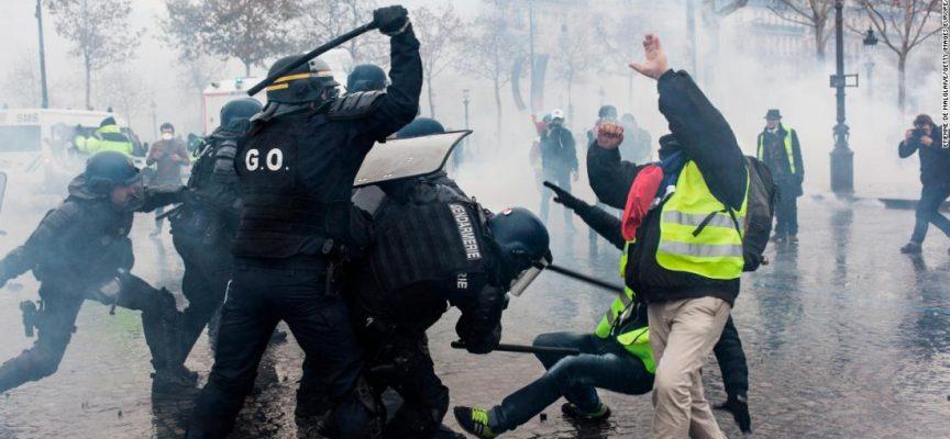 L'ultima vergogna del globalismo: Macron disperato invia l'esercito francese contro i Gilet Gialli