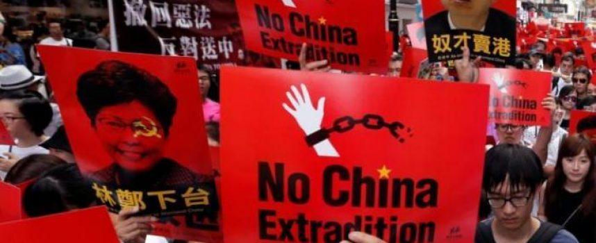 Il Governo e le ONG americane fomentano e finanziano le proteste anti-estradizione ad Hong kong