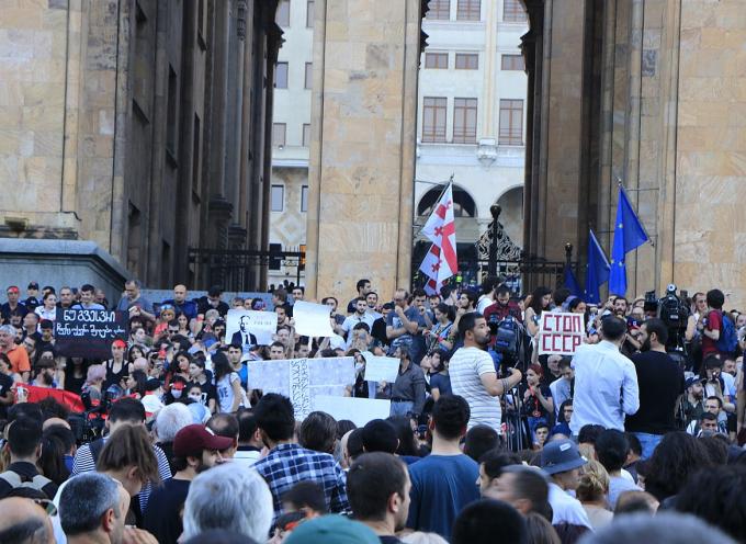 Isteria anti-russa in ascesa in Georgia, nel mezzo di tensioni politiche