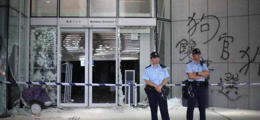 L'arroganza britannica su Hong Kong