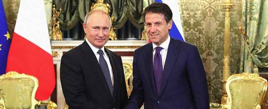 La sceneggiata delle relazioni con la Russia