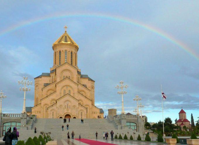 """Il ruolo della """"carta religiosa"""" nella battaglia dell'Occidente contro l'unità della Georgia"""