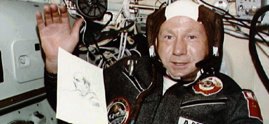 La storia di Aleksej Leonov, il primo uomo nello spazio aperto