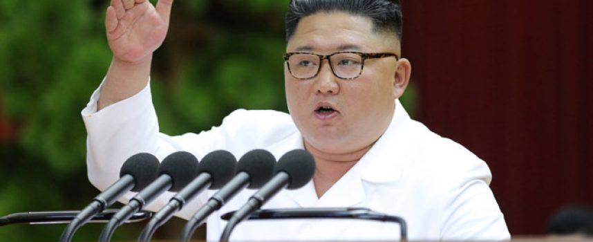 """Kim promette la dimostrazione di una """"nuova arma strategica"""" e dice che Pyongyang abbandonerà la moratoria sui test missilistici"""