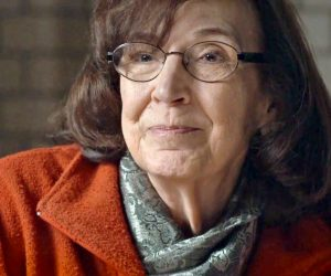 """Diana Johnstone: """"Non vogliamo cambi di regime artificiali, ma movimenti autenticamente critici di cittadini europei"""""""