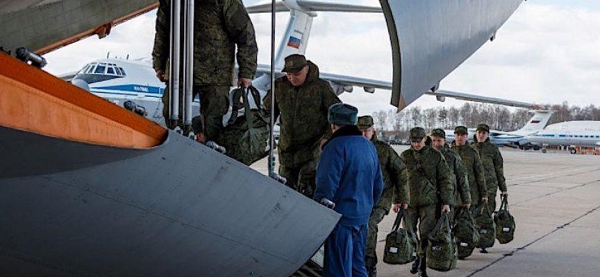 Mentre la Russia mandata aiuti, Stati Uniti e NATO denigrano e diffamano