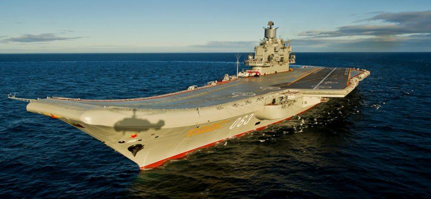 """La Russia metterà in bacino l'incrociatore lanciamissili pesante portaerei """"Admiral Kuznetsov"""" per estese riparazioni"""