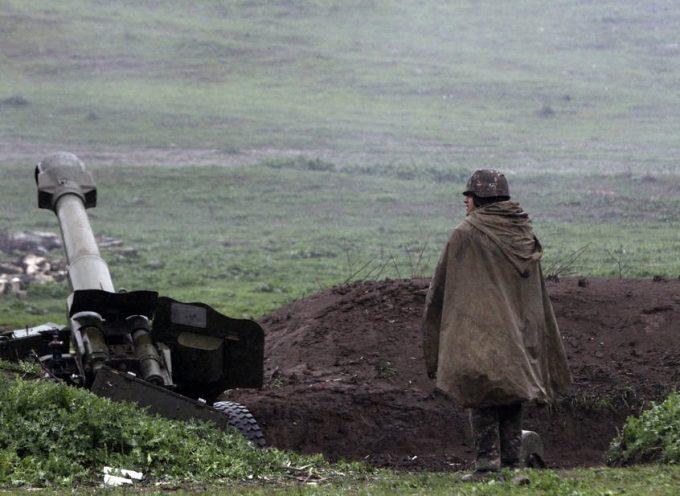Il conflitto armeno-azero scoppia nel Caucaso, minacciando una guerra più ampia