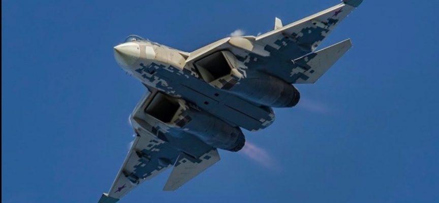 Il Su-57 russo può portare più armi di qualsiasi caccia di 5a generazione – e ha la distanza di ingaggio più lunga